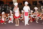 Velký úspěch měli všichni účinkující včetně vystoupení Buchty z lásky malých tanečníků.