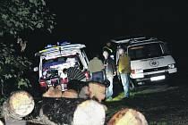 NEDALEKO Mýta zasahovali ve čtvrtek pražští kriminalisté. Na místě byly nalezené mrtvoly vietnamského páru.