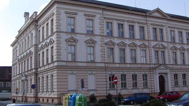 Základní škola v ulici Míru v Rokycanech.