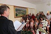 V radnicích přivítal starosta deset nových spoluobčánků.