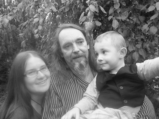 Rodina pohromadě. Alexandra, Miloš a Jan.