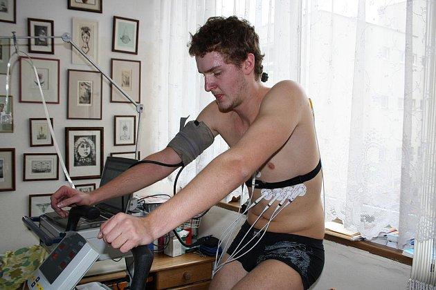 V rokycanské ordinaci Petra Hány, který je sportovním a tělovýchovným lékařem, probíhaly kondiční testy plavců plzeňské Slavie.