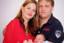 ADAM OUHRABKA se narodil 14. srpna ve 14 hodin a 12 minut v Mulačově nemocnici v Plzni rodičům Lucii Selemové a Janu Ouhrabkovi z Plzně. Jeho porodní váha činila 3600 gramů, měřil 52 cm.