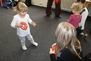 Dvou a tříletá drobotina z Yamahy předvedla své dovednosti na vánoční besídce .