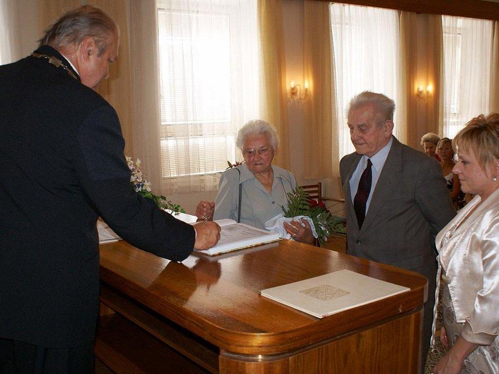 Diamantová svatba manželů Veverkových ze Zbiroha.