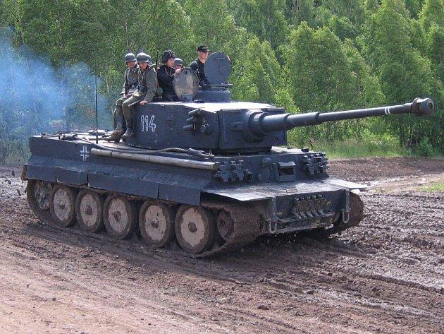 Replika německého tanku Tiger.