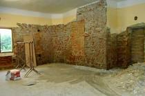 Rekonstrukce obecního sálu v Přívěticích.