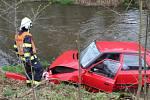 Nehoda osobního auta a kamionu v Kamenném Újezdě
