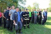 REPREZENTANTI tří hasičských sborů ze severu okresu startovali v sobotu odpoledne při 31. ročníku Memoriálu Vladimíra Procházky. Nástip absolvovali na hřišti v Kříších pak se rozjeli po okolních obcích.