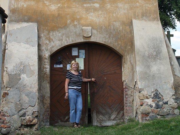 HLOHOVICE chtějí převzít kostel v obci do své péče. O záměru nás informovala starostka Marie Pflégrová.