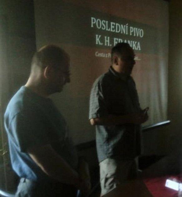 Marcel Beran (vlevo) a Petr Gaman při besedě vHoloubkově.
