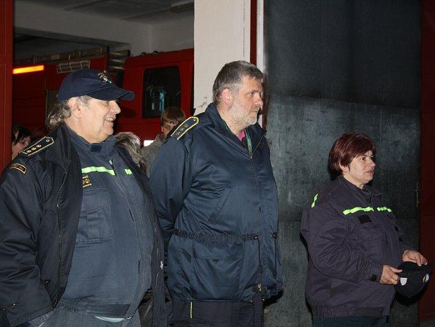 Sbory dobrovolných hasičů z Mirošova a Příkosic pořádaly v sobotu večer atraktivní noční soutěž.