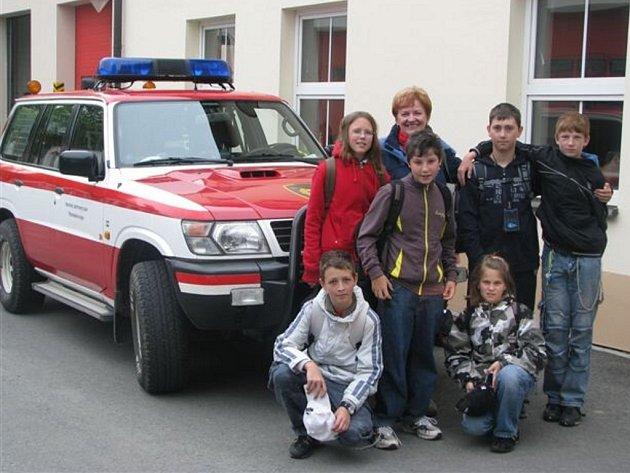 Do soutěž Mladý záchranář 2009 se letos zapojilo osm základních škol Rokycanska