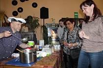 V Holoubkově soutěžilo šest kuchařů s vejci