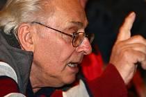 Vladimír Hrubý z Míšova nenechal během besedy o radaru nikoho domluvit.