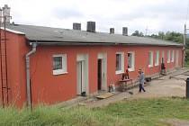 Holobyty na okraji Rokycan obsadilo šest rodin se čtyřiceti lidmi. Nyní mají přijít o střechu nad hlavou.
