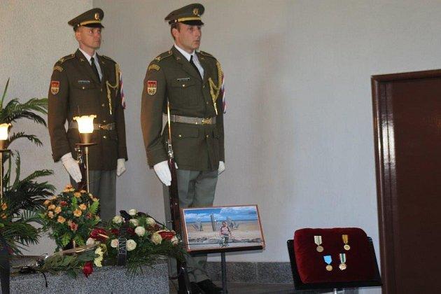 Holoubkovští se loučili s vojákem a učitelem