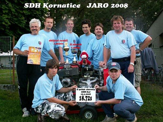 Na okresním finále soutěže v požárním sportu se zaskvěli dobrovolníci z Kornatic. Předstihli na holoubkovském place všechny soupeře.