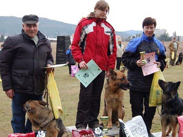 Jarní soutěž pořádali kynologové z Hrádku.