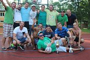Triumf ve futsalovém krajském přeboru hráči důkladně zapili.