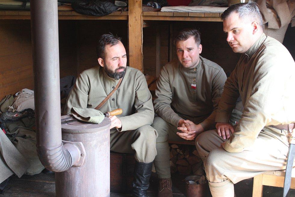 Na bývalém zbirožském nádraží vrcholilo natáčení dokumentu o československých legionářích.