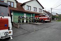 Symbolická minuta ticha za dva mrtvé dobrovolné hasiče z Koryčan.