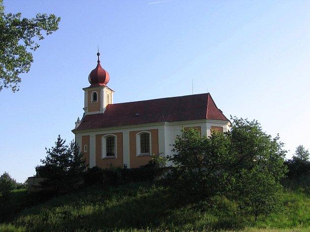 Letos už šestý rok opravují Přívětice svoji dominantu, kostel sv. Martina.