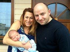 Tomáš GRIMM Krásným chlapečkem se od 25. listopadu pyšní novopečený tatínek Tomáš Grimm z Rokycan. Malý Tomík se narodil dopoledne, v 11 hodin a 33 minut a jeho porodní míry byly 3830 gramů a 52 centimetrů. Tatínek byl u porodu velkou oporou.