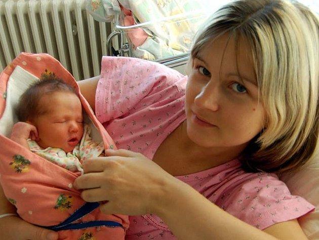 Roman Peroutka z Mirošova se narodil 17. října po 14. hodině. S maminkou  Lucií byl na sále manžel Roman. První potomek měřil 49 centimetrů a vážil 2750 gramů.