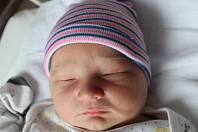 Jonáš Brada se narodil 4. srpna v 19:11 mamince Ivaně a tatínkovi Janovi ze Šťáhlav. Po narození v plzeňské fakultní nemocnici vážil jejich prvorozený synek 4030 gramů a měřil 51 centimetrů.