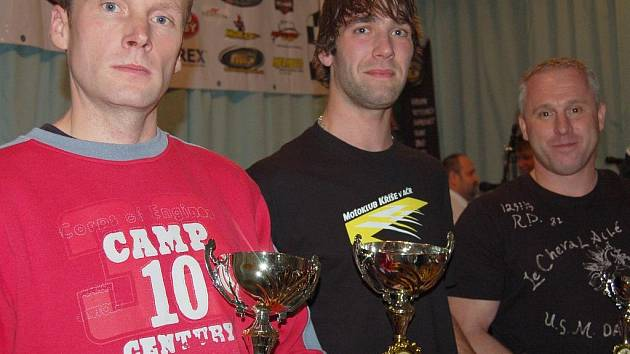 Nejlepší jezdec kategorie Hobby Open Jan Procházka (uprostřed).