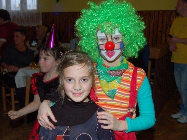 V Kamenném Újezdu pořádali členové TJ Sokol v sobotu odpoledne maškarní dětský karneval.
