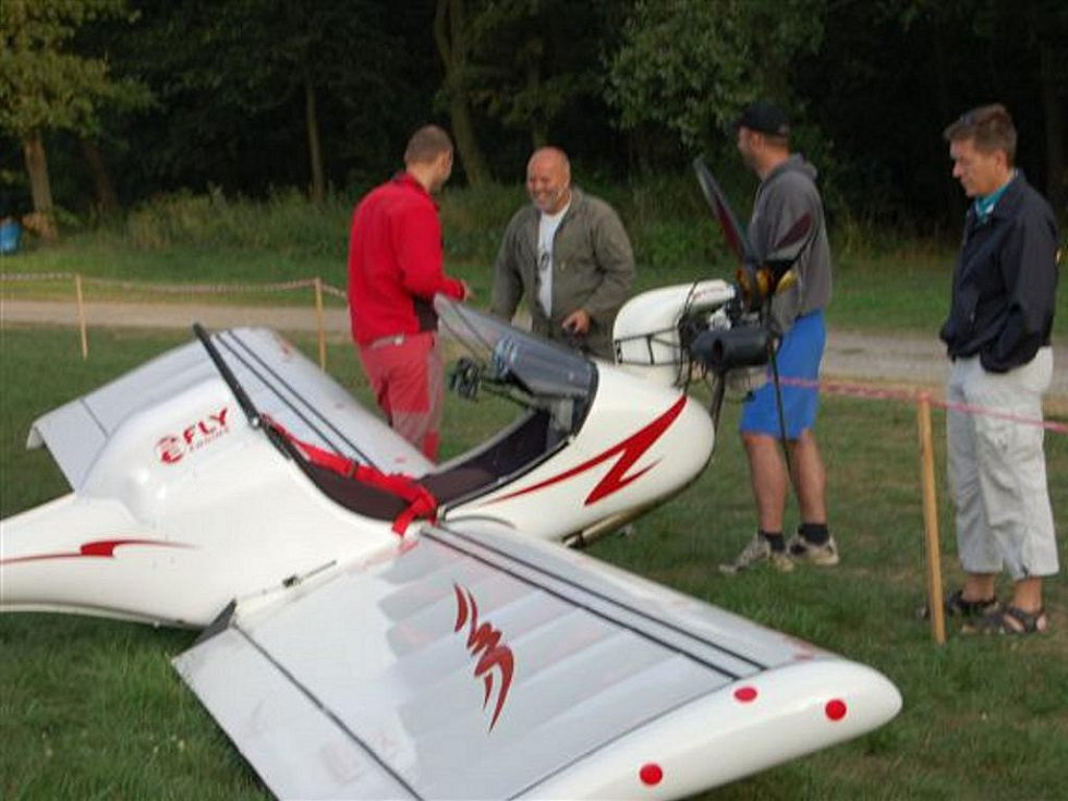 Sraz ultralehkých letadel v Rokycanech.