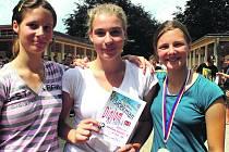 Družstvo gymnázia, ale v kategorii základních škol, vyhrálo včerejší týmovou soutěž Vršíčekmanu 2018 ve složení Hanzlíková a sestry Kovarski.