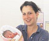 Ellen WEBEROVÁ z Dobříva se narodila 29. června brzy ráno, ve 3 hodiny a 53 minut. Maminka Markéta a tatínek Štefan věděli, že jejich první dítě bude holčička. Malá Ellen vážila při narození 2900 gramů, měřila 48 cm. Tatínek byl u porodu na sále pomáhat.