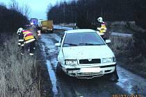 Ke kolizi dvou automobilů vyjížděli profesionální hasičiz Rokycan a také policisté. Naštěstí nebyl nikdo zraněný.