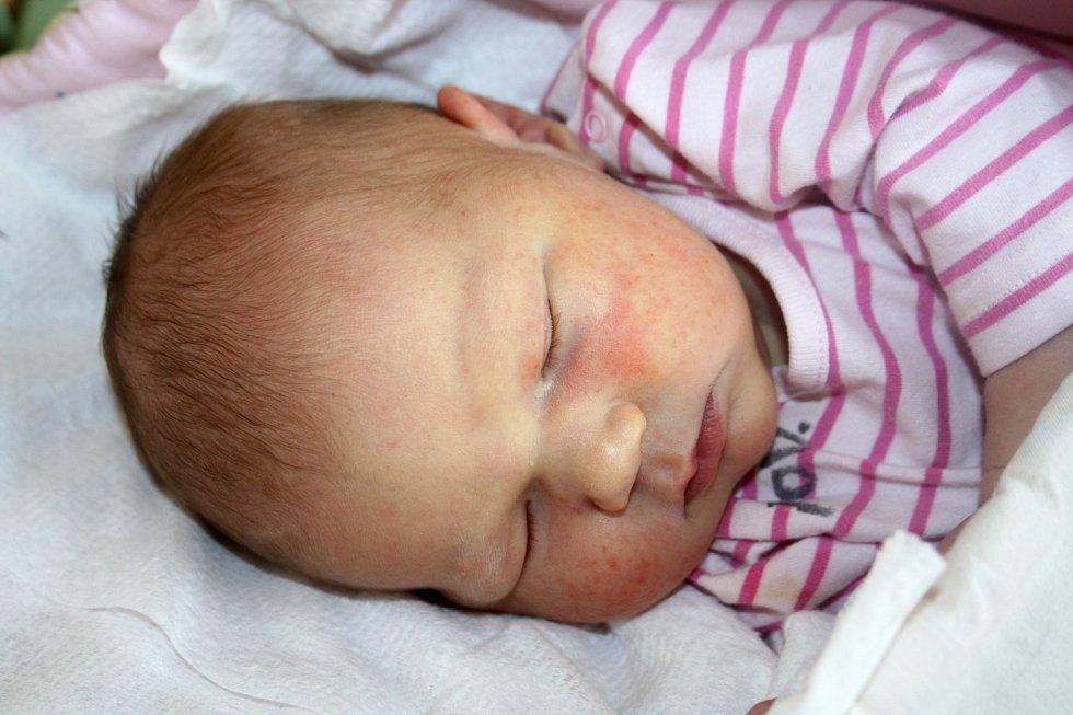 MARKÉTA VŐTTEROVÁ z Nezvěstic se narodila v rokycanské porodnici 5. října ve 13 hodin a 16 minut. Maminka Klára a tatínek Lukáš se nechali pohlavím svého prvního dítěte překvapit až na porodní sál. Váha 4220 g, 52 cm.
