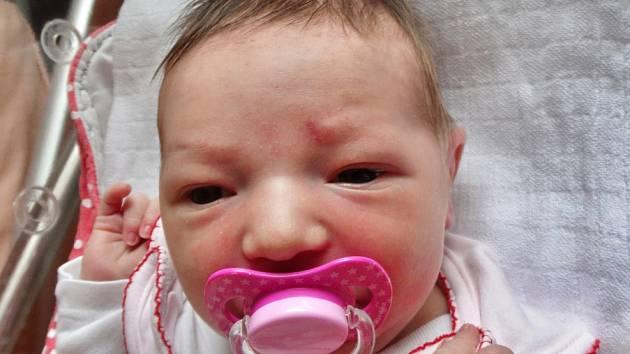 ANETA BOČANOVÁ se narodila 15. července ve 2:04 mamince Janě a tatínkovi Františkovi z Blovic. Po příchodu na svět v plzeňské fakultní nemocnici vážila jejich prvorozená dcerka 3670 gramů a měřila 52 centimetrů.