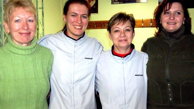 Kvarteto žen SKK zvládlo v sobotu třetiligový souboj s Teplou. V Jiráskově ulici vyhrálo 4:2 a podílely se na tom  Ženíšková, Krákorová, Pešková i Koukolíková (zleva).