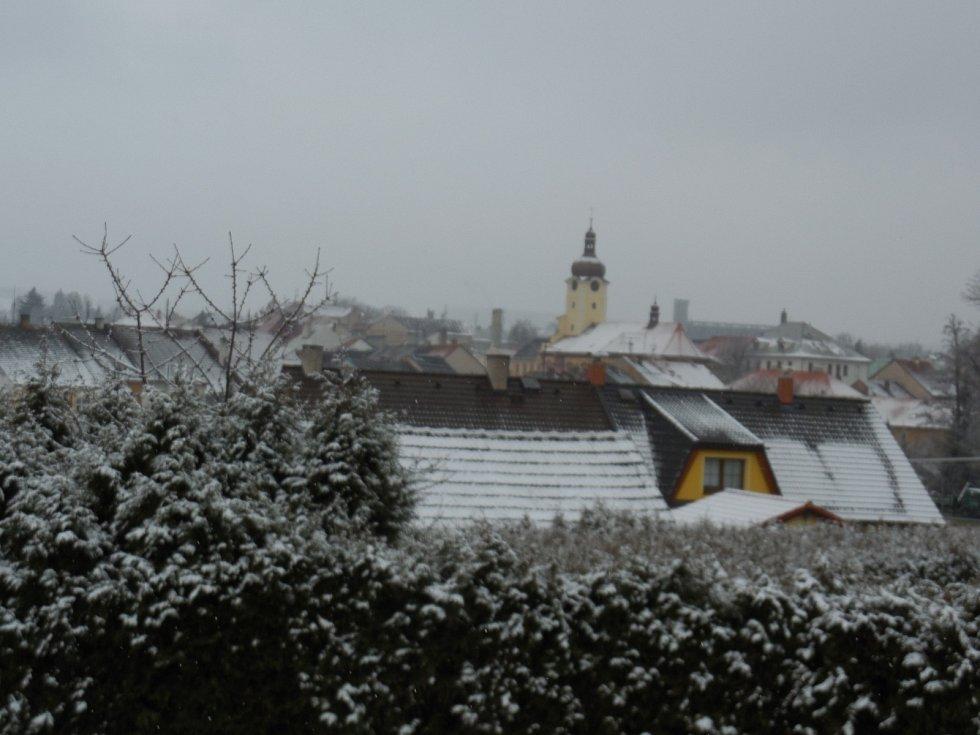 Sníh v Radnicích na Rokycansku 19. března.
