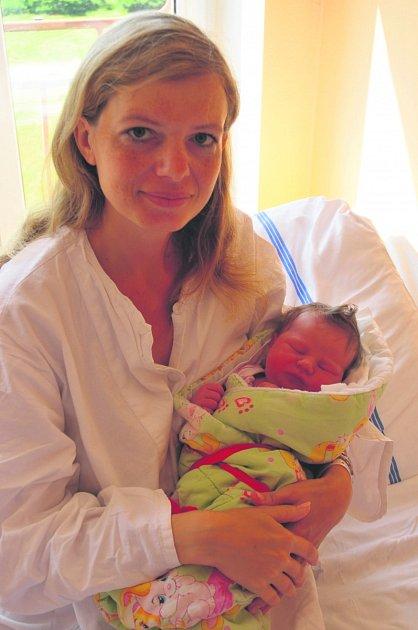 Eliška KROCOVÁ z Rokycan se narodila 2. července v 18 hodin a 22 minut. Manželé Hana a Jan znali pohlaví svého druhého dítěte dopředu. Doma už mají prvorozenou dceru Aničku (4 roky) Malá Eliška vážila 3680 gramů, měřila 51 cm. Tatínek byl u porodu pomáhat