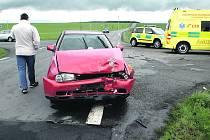 V NEDĚLI se na křižovatce u Němčovic stala dopravní nehoda, při níž byly zraněné dvě osoby. Obec se dlouhodobě snaží snížit riziko případné kolize. Zatím ale marně.