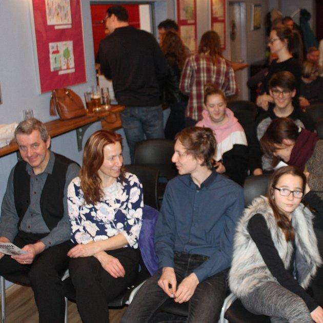 Hru Houbovka nebo čajíček si nenechalo ujít přes 80návštěvníků