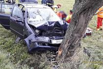 Nehoda osobního auta u Kařezu