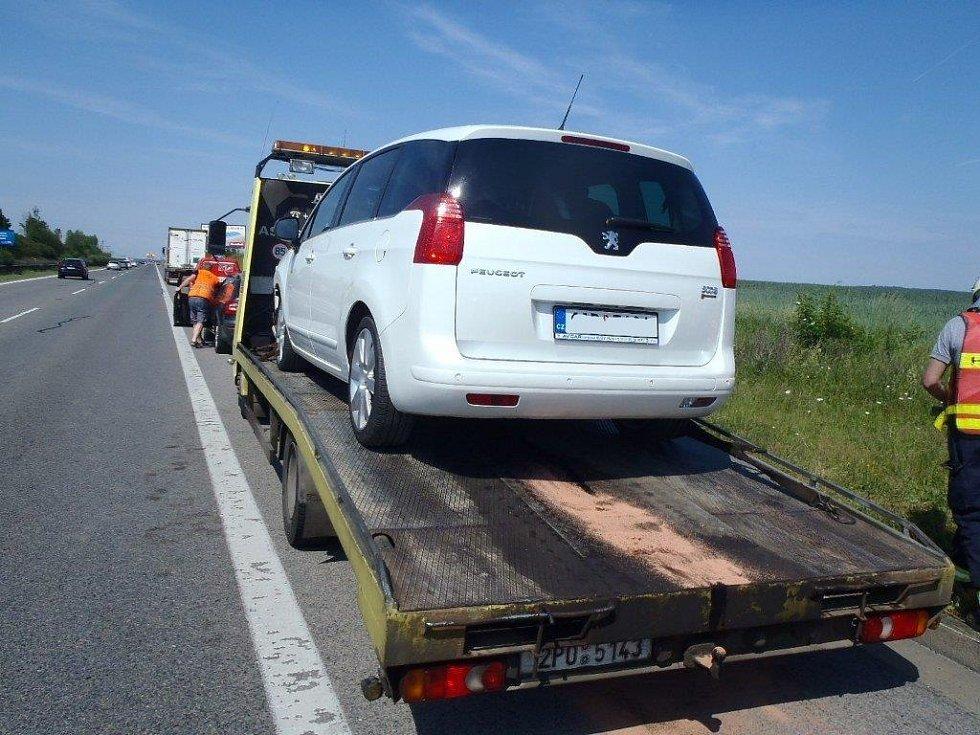 Kvůli nehodě musela být dálnice D5 u Rokycan směrem na Rozvadov uzavřena.