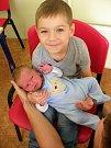 Patrik Šmatlák z Mirošova přišel na svět 25. října ve 2:20 hodin v Mulačově nemocnici v Plzni. Jeho porodní váha činila 3 980 gramů, měřil 52 cm. Kromě tatínka Václava a maminky Veroniky se na miminko těšil i bráška Vašík.