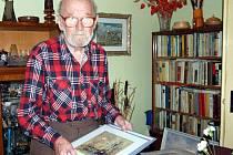 Výtvarník Miroslav Kozlík, který často v okolí města maloval, se ve čtvrtek v místní knihovně dočká zahájení výstavy. Bude průřezem celého jeho díla.
