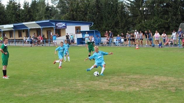 O pohár starosty Mýta Františka Končela usilovaly v sobotním maratonu fotbalové přípravky.