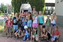 JEDEN Z OBLÍBENÝCH pětidenních příměstských táborů Dům dětí a mládeže Rokycany pořádal na téma Věda je zábava. Účastníci se například přesvědčili, že likvidace odpadních vod je také vědeckou výzvou.