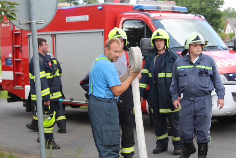 Hasičský zásah ve Svojkovicích